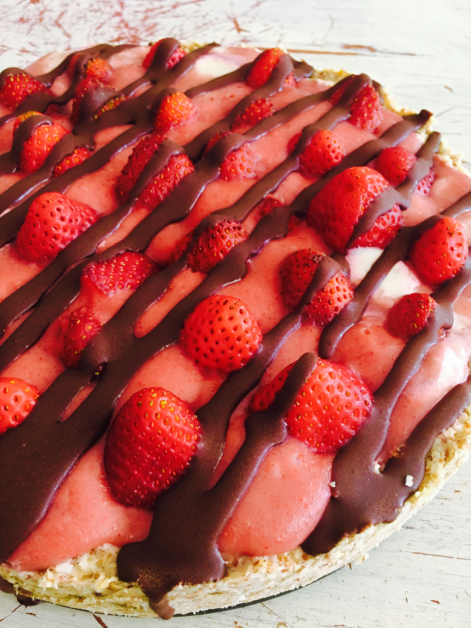 Raw Strawberry Tart with Cashew Cream